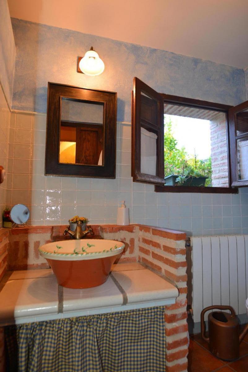 Cuarto de Baño de Dormitorio Ñuflo de Chaves en Casa del conde