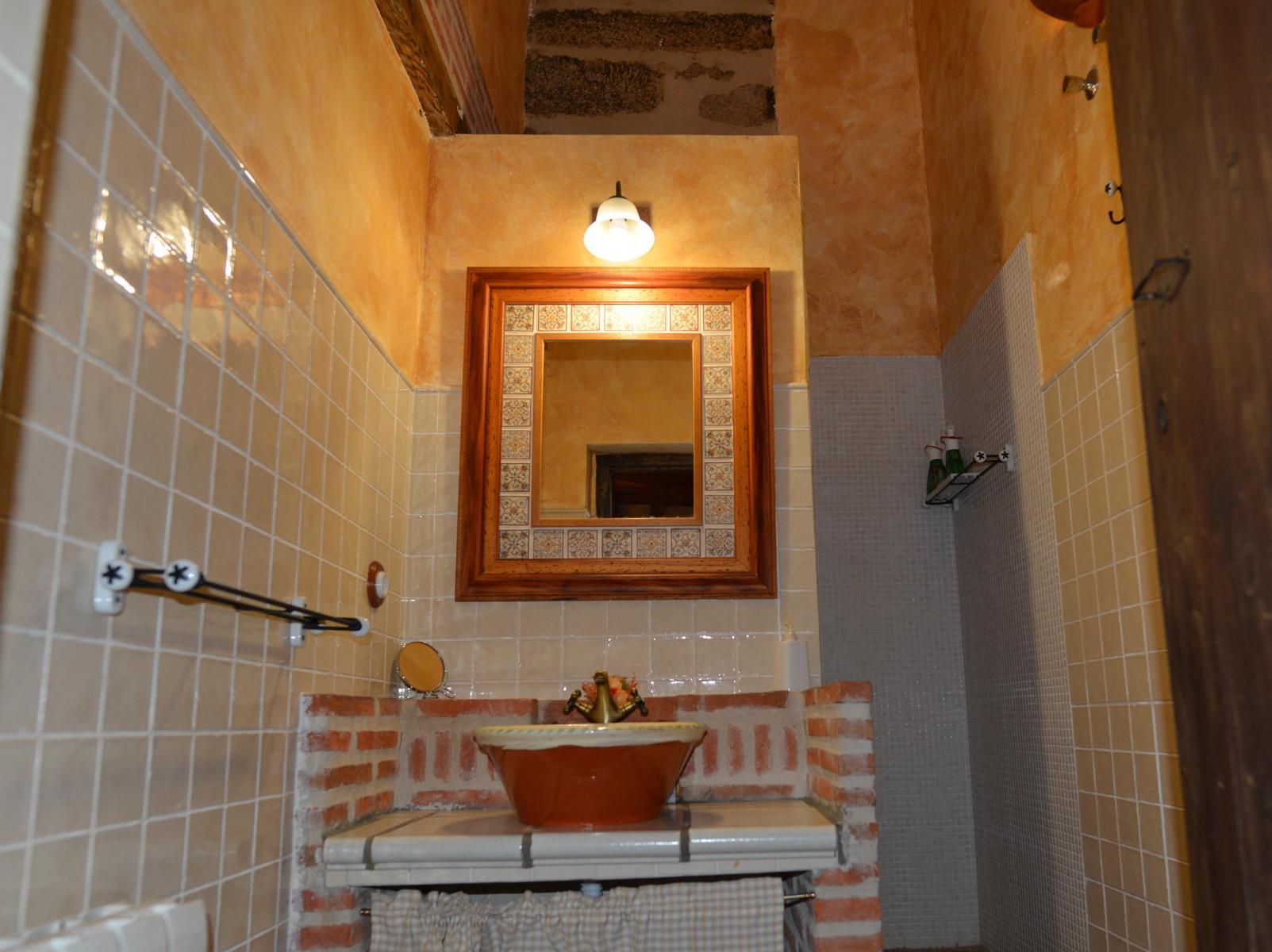 Cuarto de baño Dormitorio 05 Francisco de Pizarro en Casa del Conde